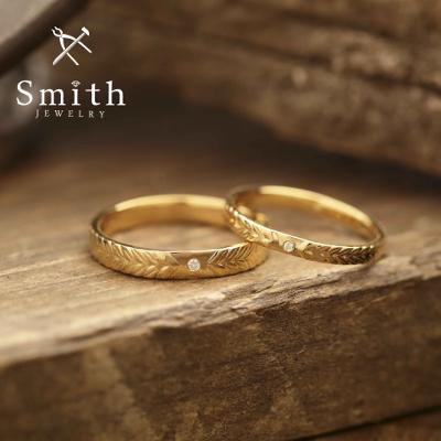 【Smith】手作り結婚指輪 彫刻入れのオプション加工で、贅沢なニュアンス