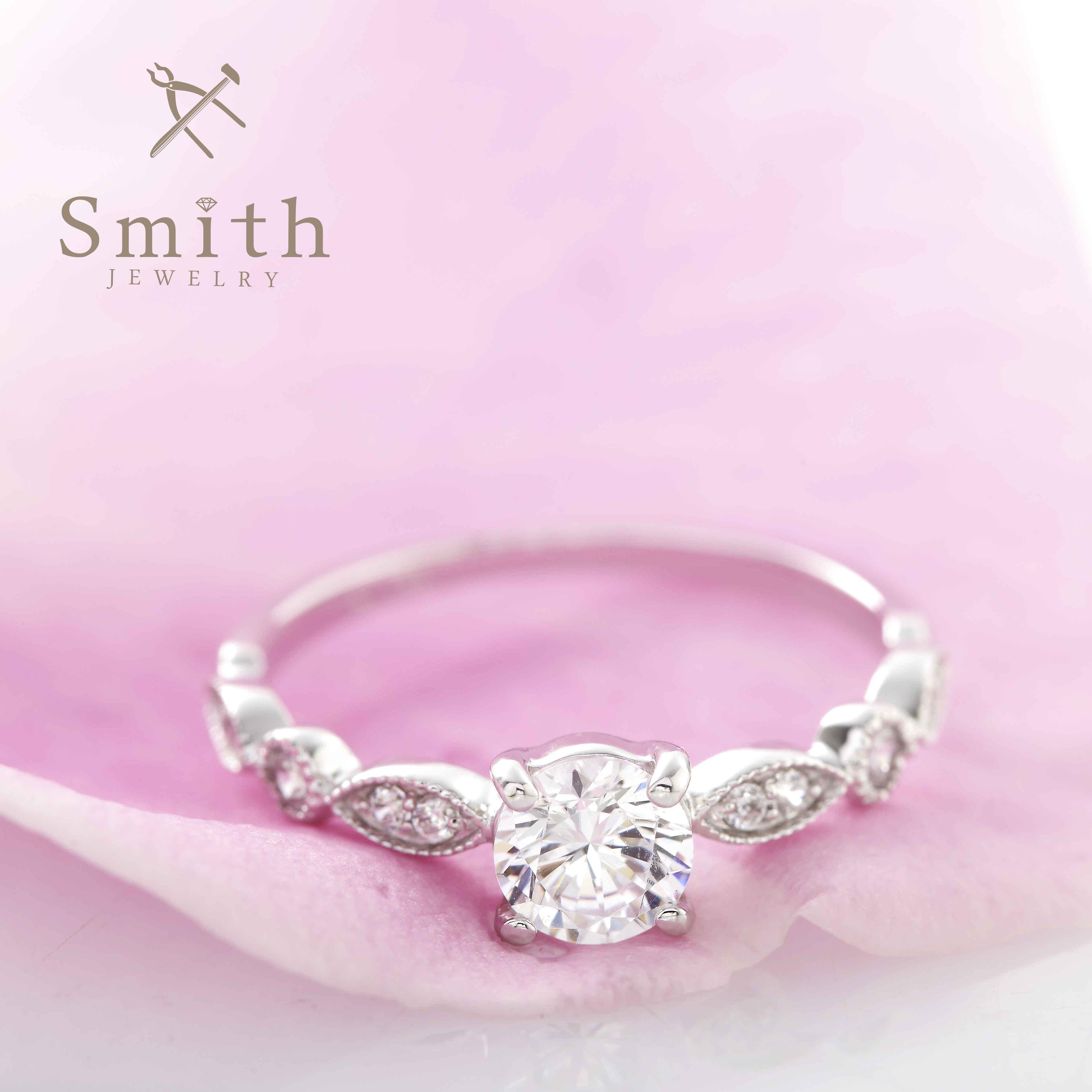 【Smith】オーダーメイド婚約指輪 大人っぽいのにかわいい、繊細な表情