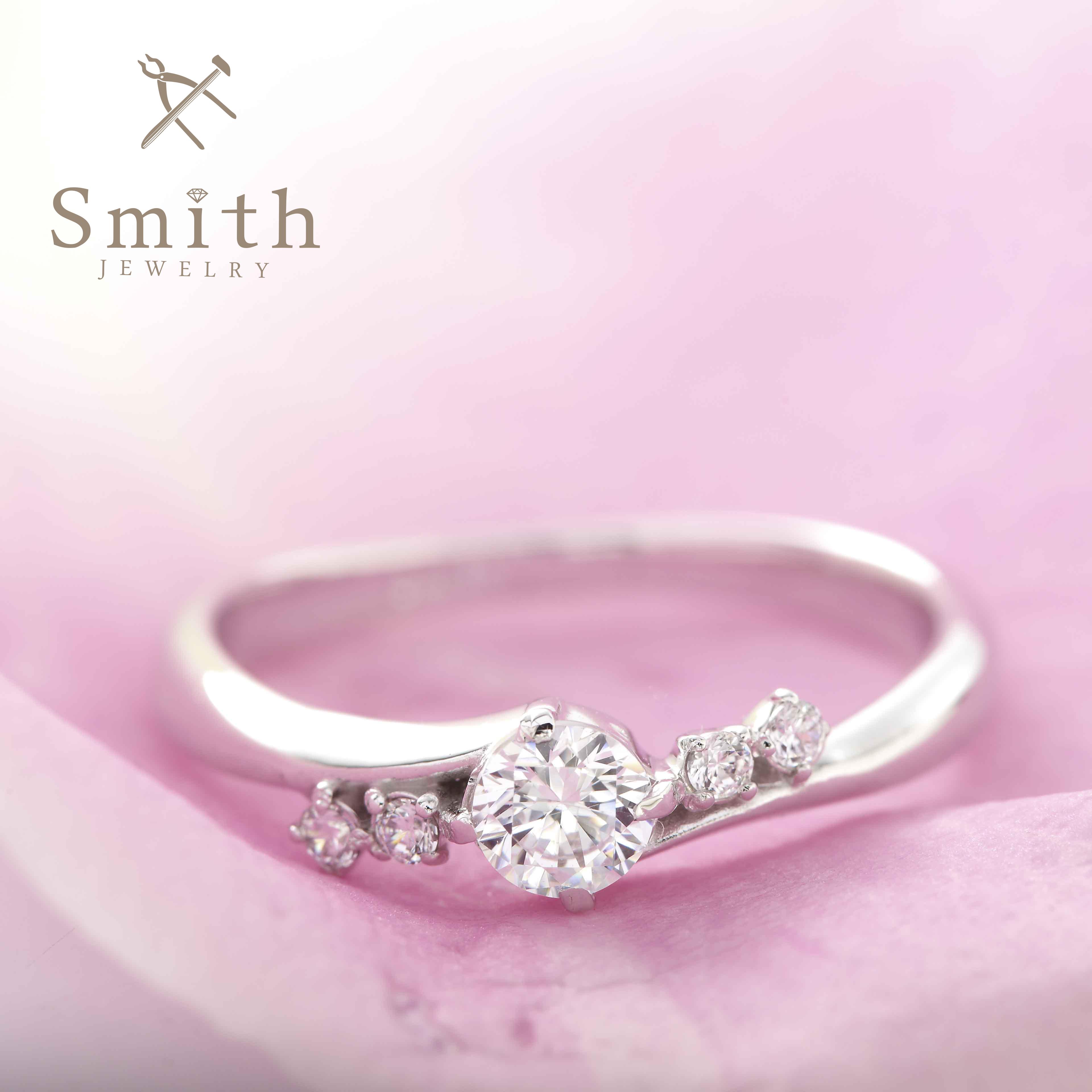 【Smith】オーダーメイド婚約指輪 憧れのサイドメレリングもツイストで個性的に
