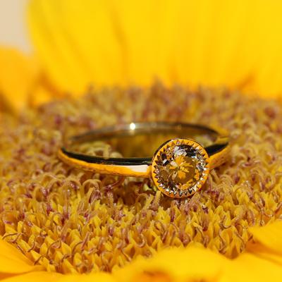 向日葵のプロポーズリング(婚約指輪)